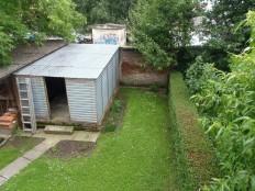 Stan sa dvorištem